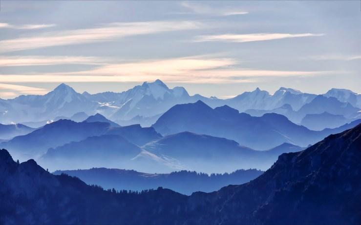 Glorious-blue-mountain-range
